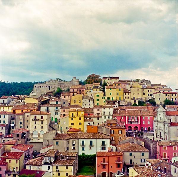 EmmaSywyj_View of Miranda, Italy.jpg