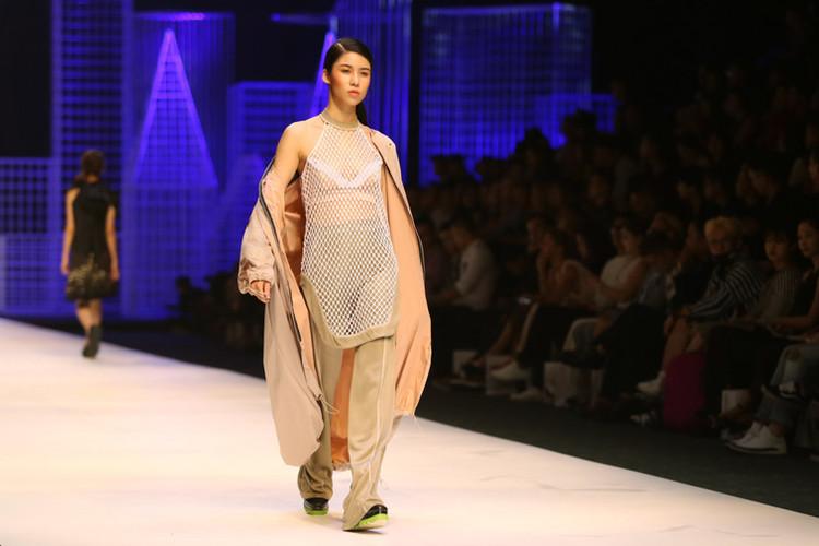 Vietnam international fashion week 2017