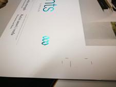 Dodelava tiskovin z različnimi folijami - hologramska folija