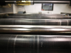 Hitrost izdelave je odvisna od veliko faktorjev. Pred naročilom se pozanimajte o tehničnih zahtevah tiskovin.