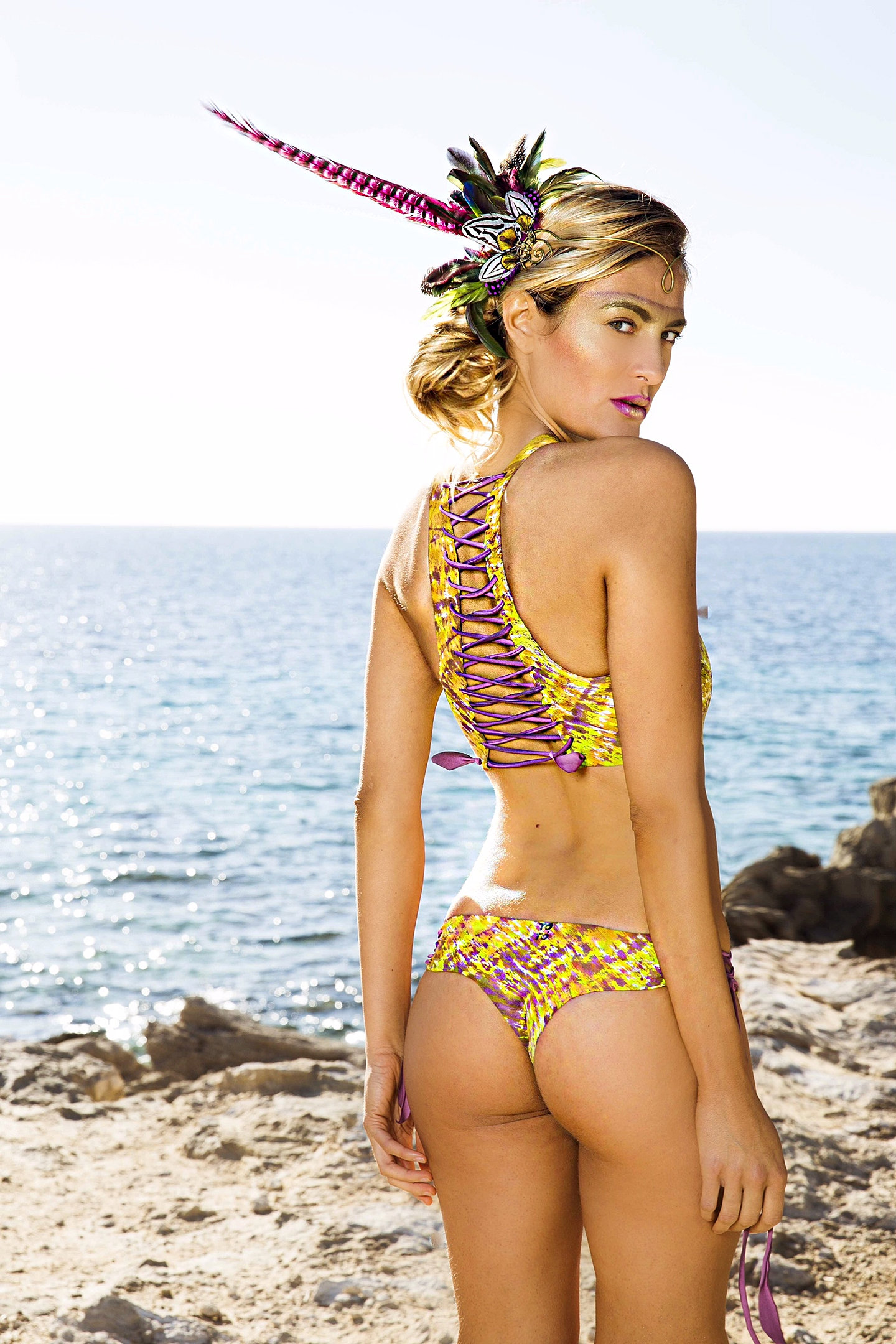 bikinis-that-are-painted-ontures
