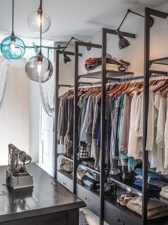 19 Evergreen Grdns-Master Closet.jpg