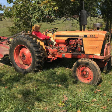 885 CASE TRACTOR