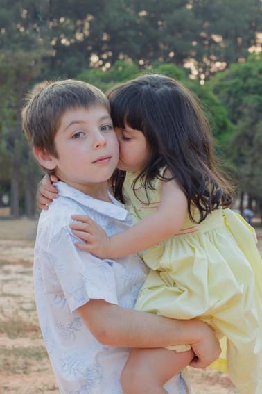 Irmãos Pedro e Letícia