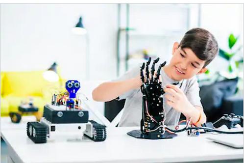 LEGO robotics (11 y.o. to 14 y.o.), 8-week course, weekly