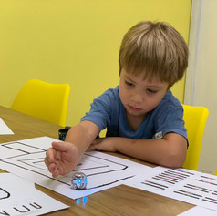 Kid with ozobot