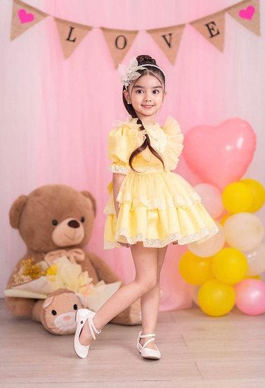 Emily Yellow