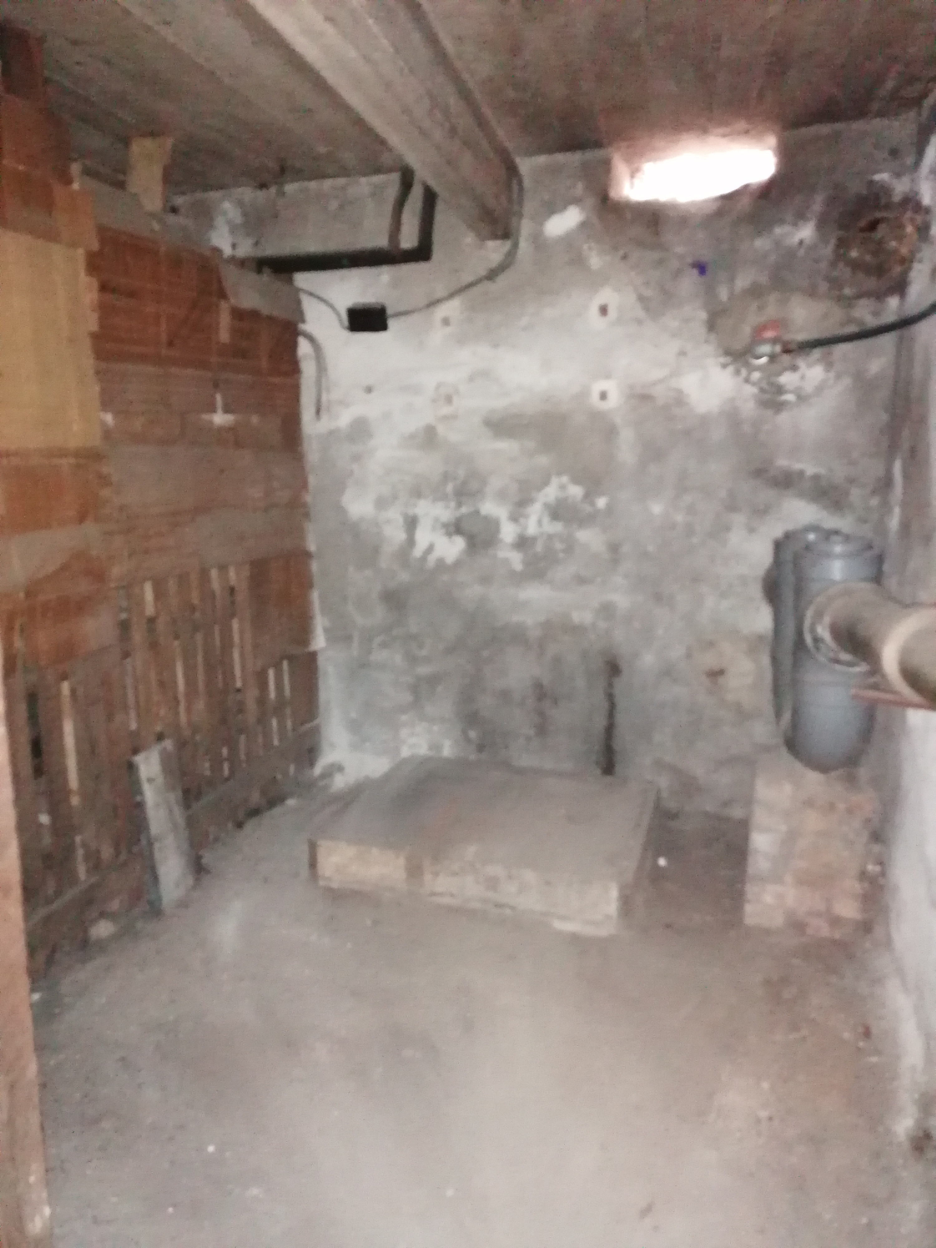 fin cave 4