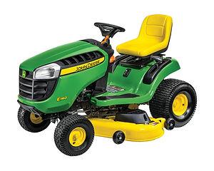 E140 Lawn Tractor_r4g035023_edited.jpg