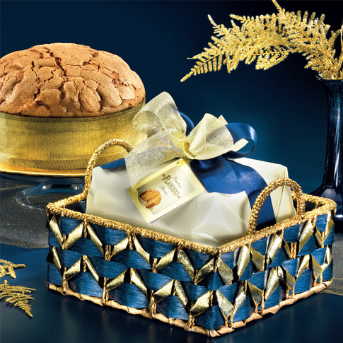 HATBOX WITH SUGAR ICED PANETTONE 750g