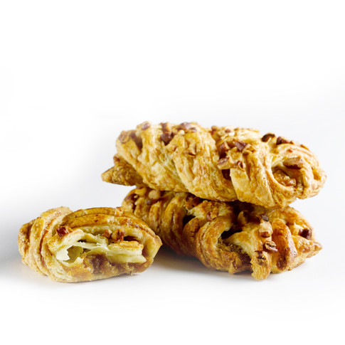 PUFF PASTRY WITH PECAN NUTS AND MAPLE SYRUP
