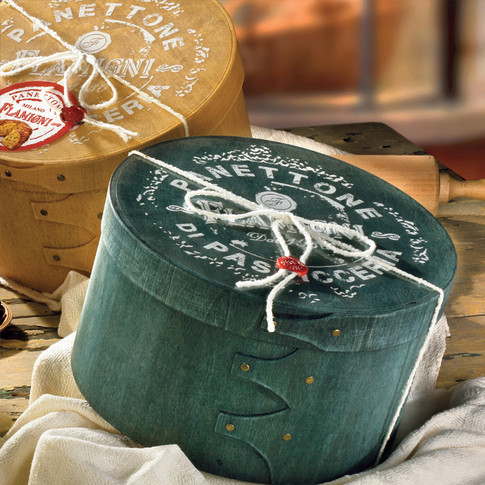 LOW MILANO PANETTONE IN VINTAGE HATBOX