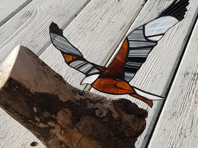Pyramid Stained Glass Red Kite on driftwood