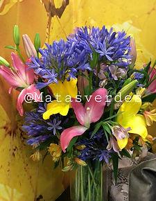 Arranjo floral campestre.jpg
