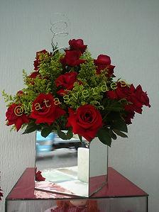 Arranjo com Rosas vermelhas.jpg