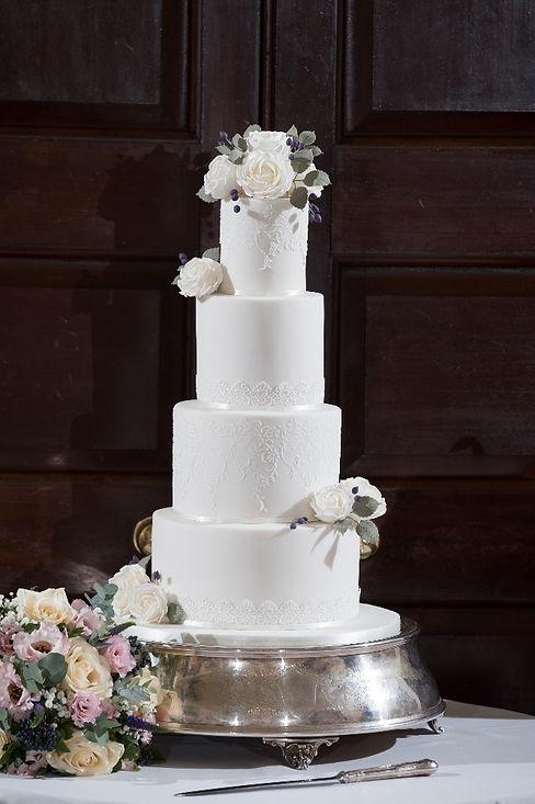 Ivory lace wedding cake.jpeg