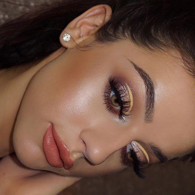 Sometimes makeup selfies just look better sideways 🙃  _maccosmeticsuk Next To Nothing Foundation +