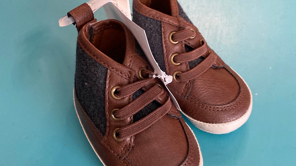 Little kid size 1, 3 to 6 months, new old navy soft high tops, brown and gray