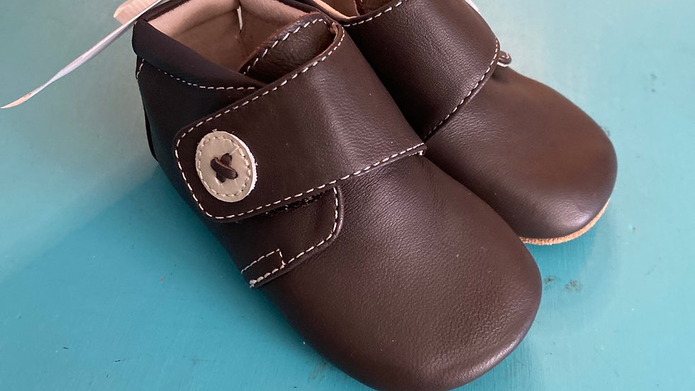 Little kid size 2, 6 to 12 months, new Livie and Luca dark brown leather