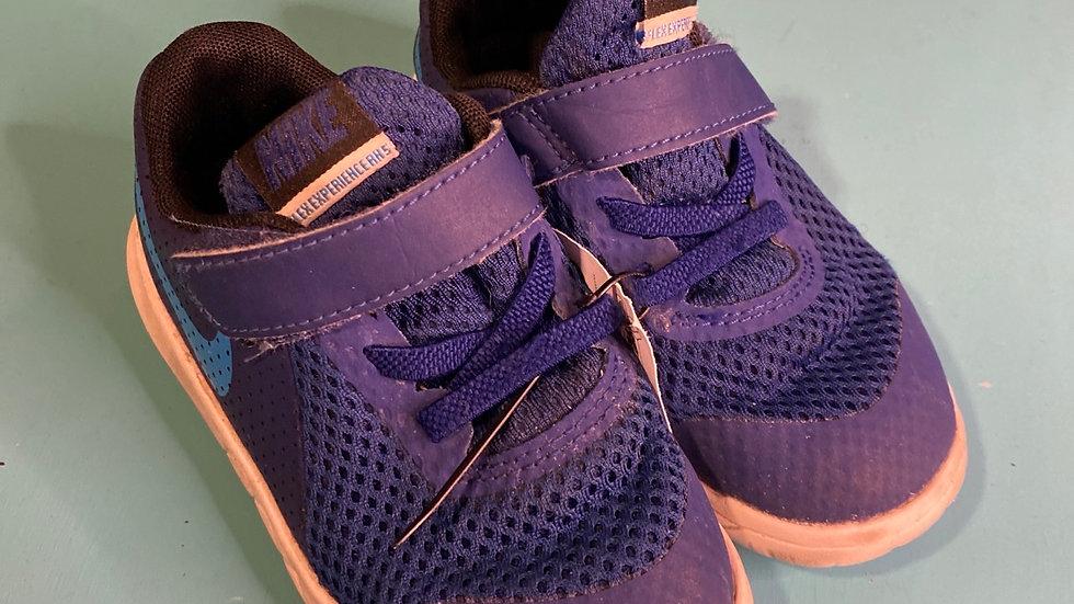 Little kid Size 8, Nike Navy blue