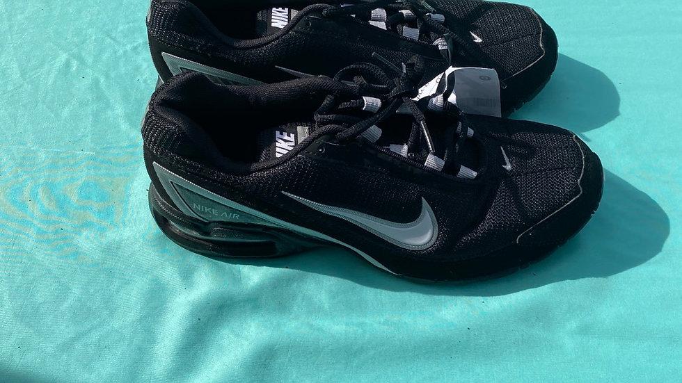 Big kid size 7 1/2, black Nike air