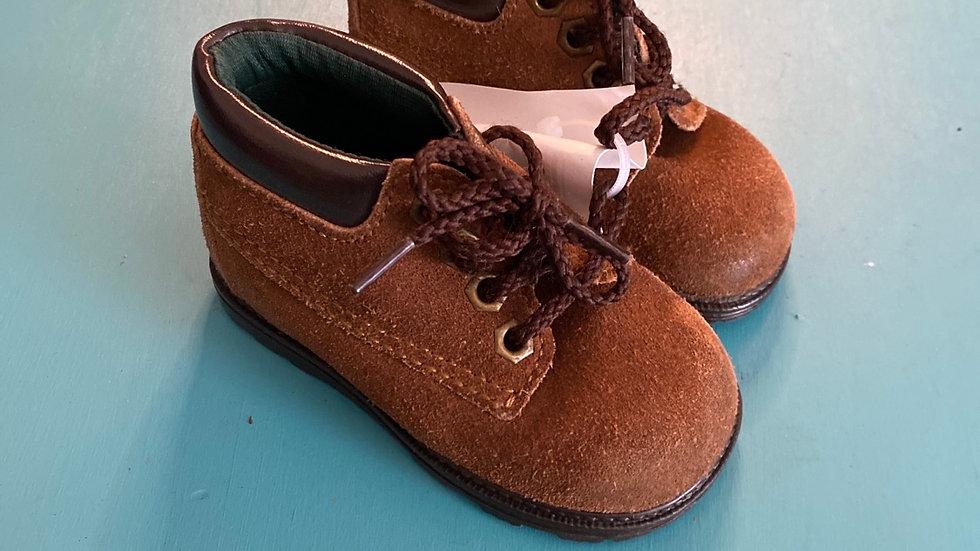 Little kid size 3, Brown boots