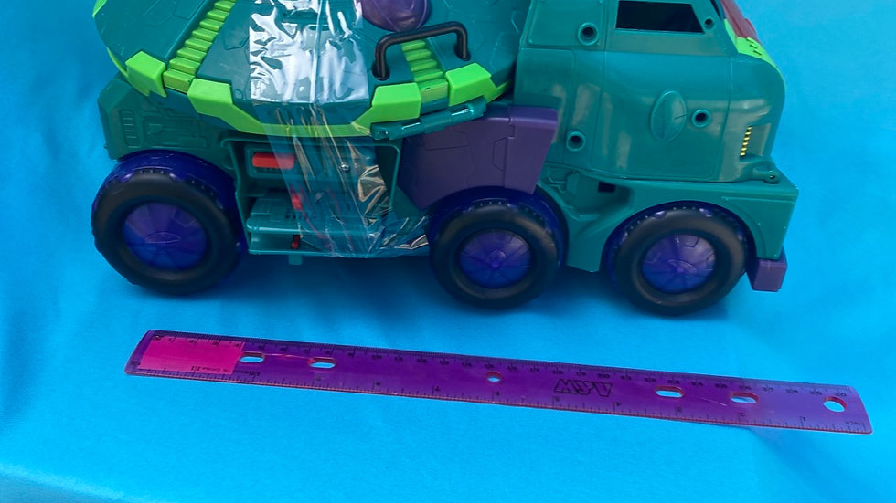 Super hero truck green