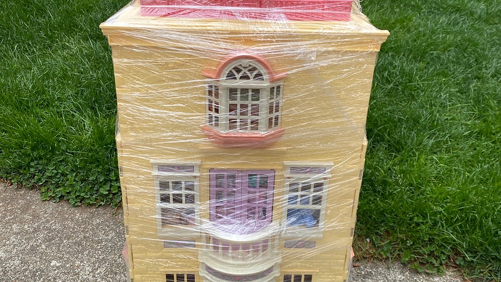 Doll house, fisher price, 3 feet tall, includes family of five and car