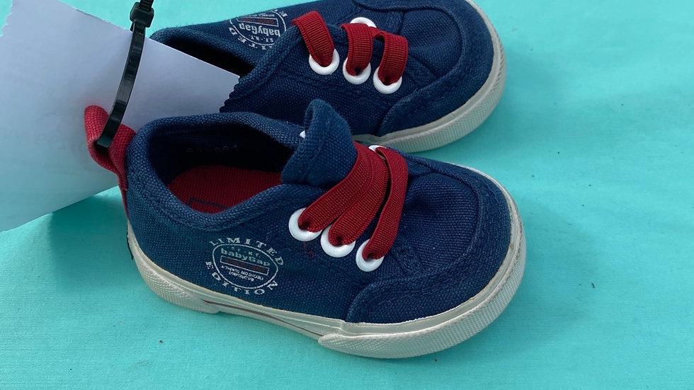 Little kid size 4, gap red blue