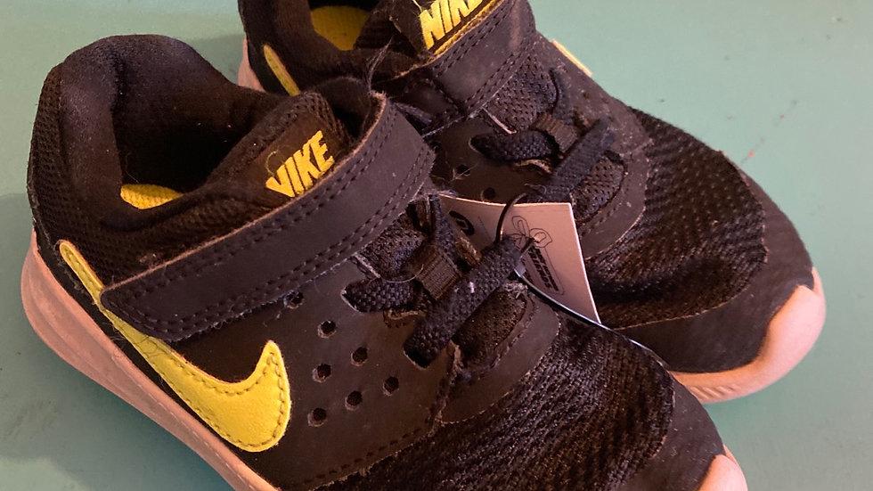 Little Kid Size 9, Nike black, neon yellow