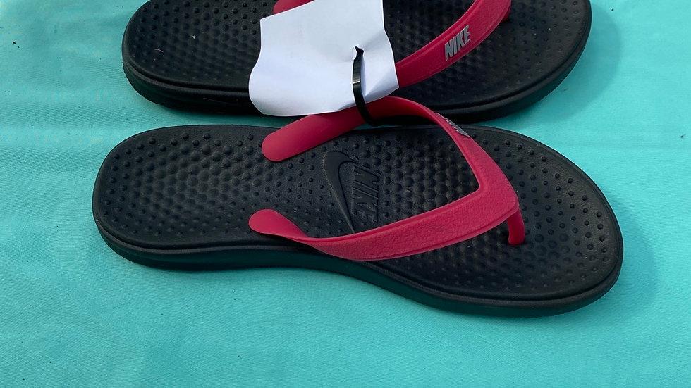 Big kid size 5, Nike flip-flops