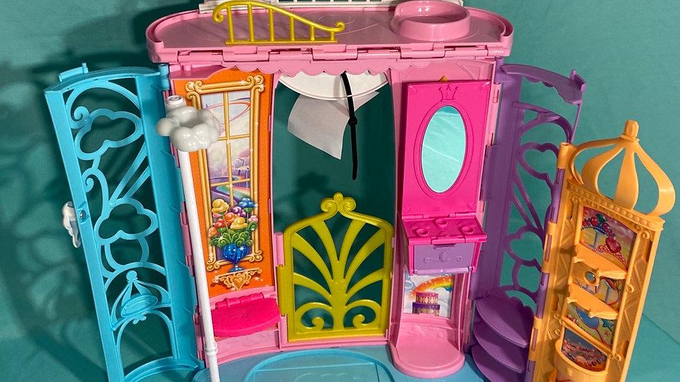 Barbie dress up house