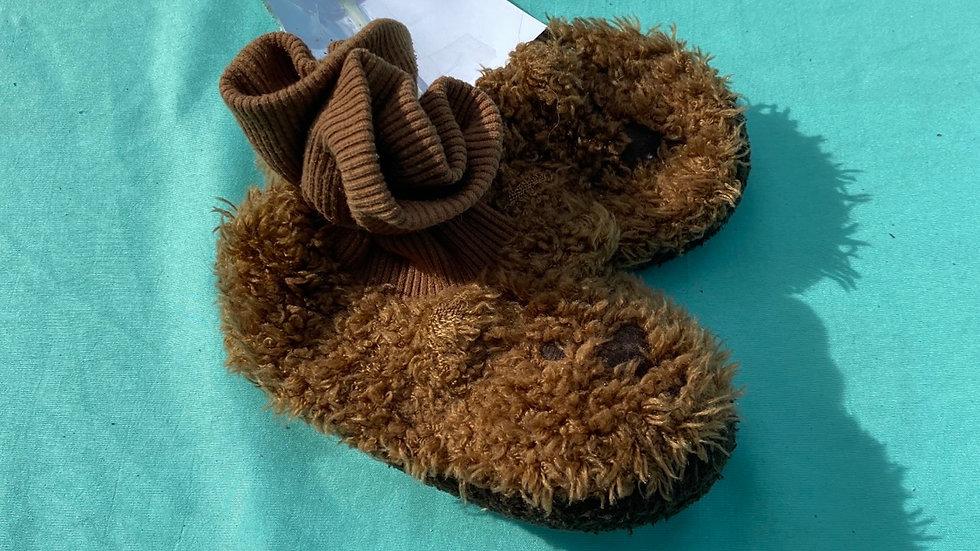 Little kid size 4, gap brown bear slippers