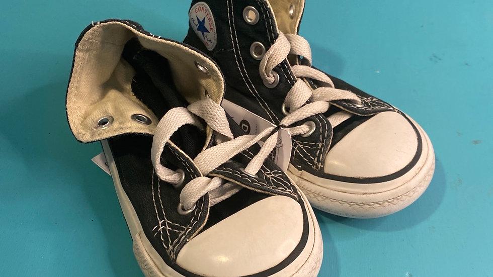 Little kid size 6, converse, black