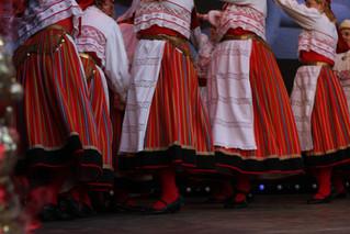 Pääsukese rühmad esinesid Tallinna Raekoja platsi jõuluturul
