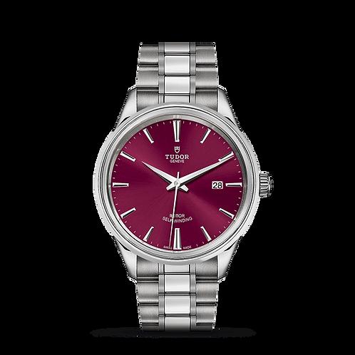 Tudor STYLE 12700, 磨光及磨砂鋼錶殼, 酒紅色錶面, 磨光及磨砂鋼雙外圈.