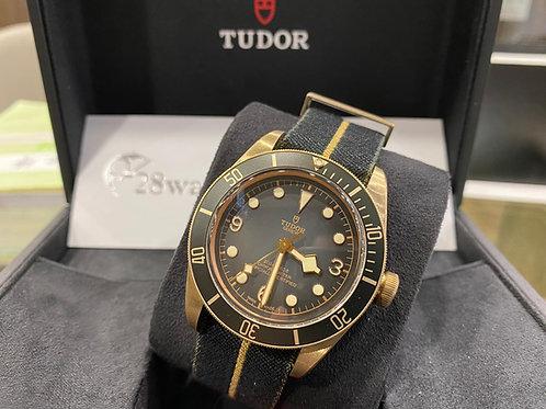 Pre-Owned Tudor Black Bay Bronze 79250BA 二手行貨,AD發票,五年保養,新保卡,青銅 - 尖沙咀店