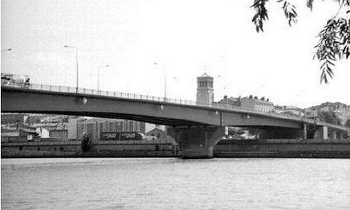 Pont F. Mistral.jpeg