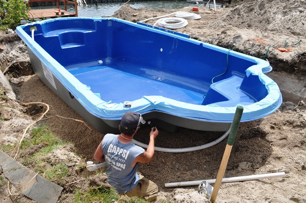 Fiber glass pool installation