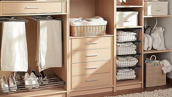 Limpieza de armarios en verano con Gestió Integral