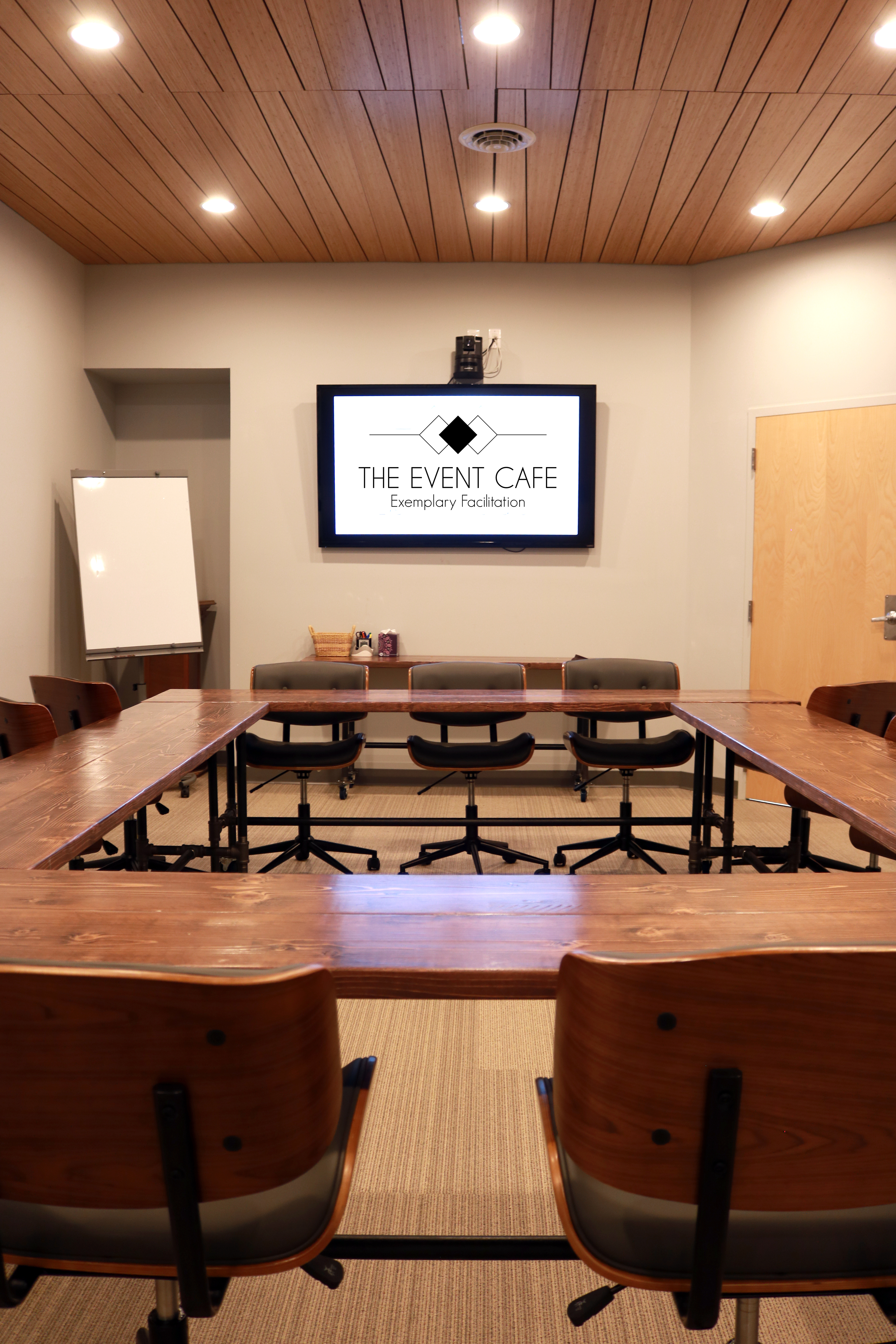 Griffin Boardroom Meeting Setup