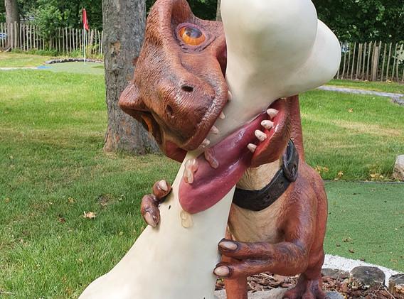 Dinosaurus_edited.jpg