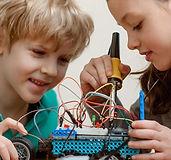 robotica-educativa-nios-nias-arequipa_1_0.jpg