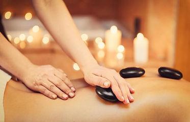 Massagem_das_Pedras_quentes_Lux_Estetica