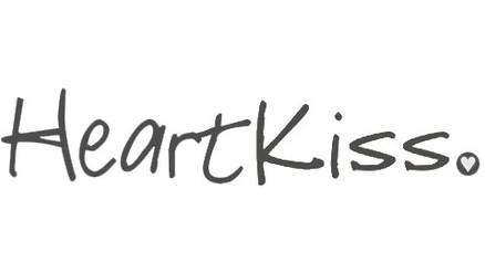 heartkiss2.jpg