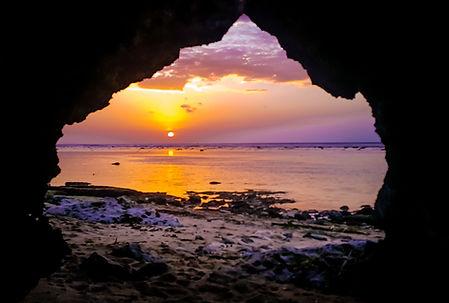 Padang Padang Beach Sunset, Uluwatu, Ono Vita