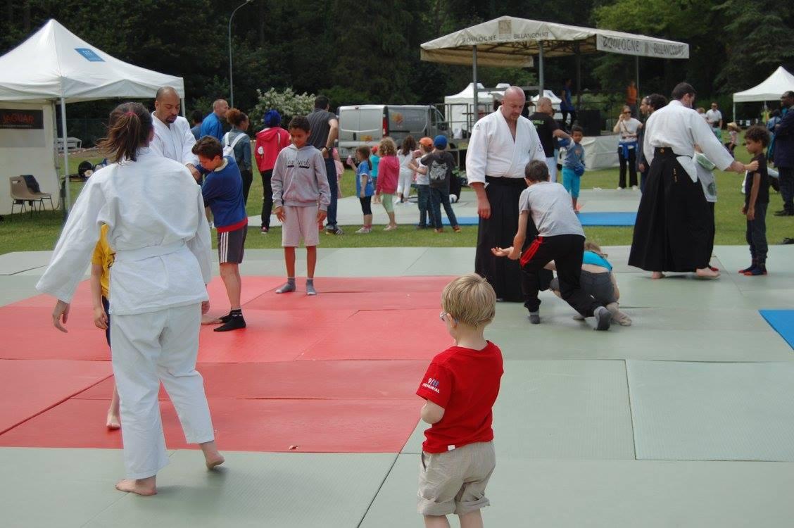 L'aïkido attire toujours autant les novices