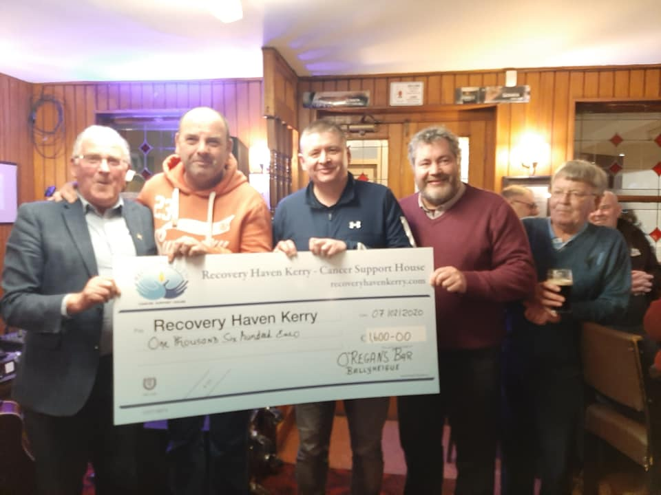 O Regans Bar Cheque Presentation