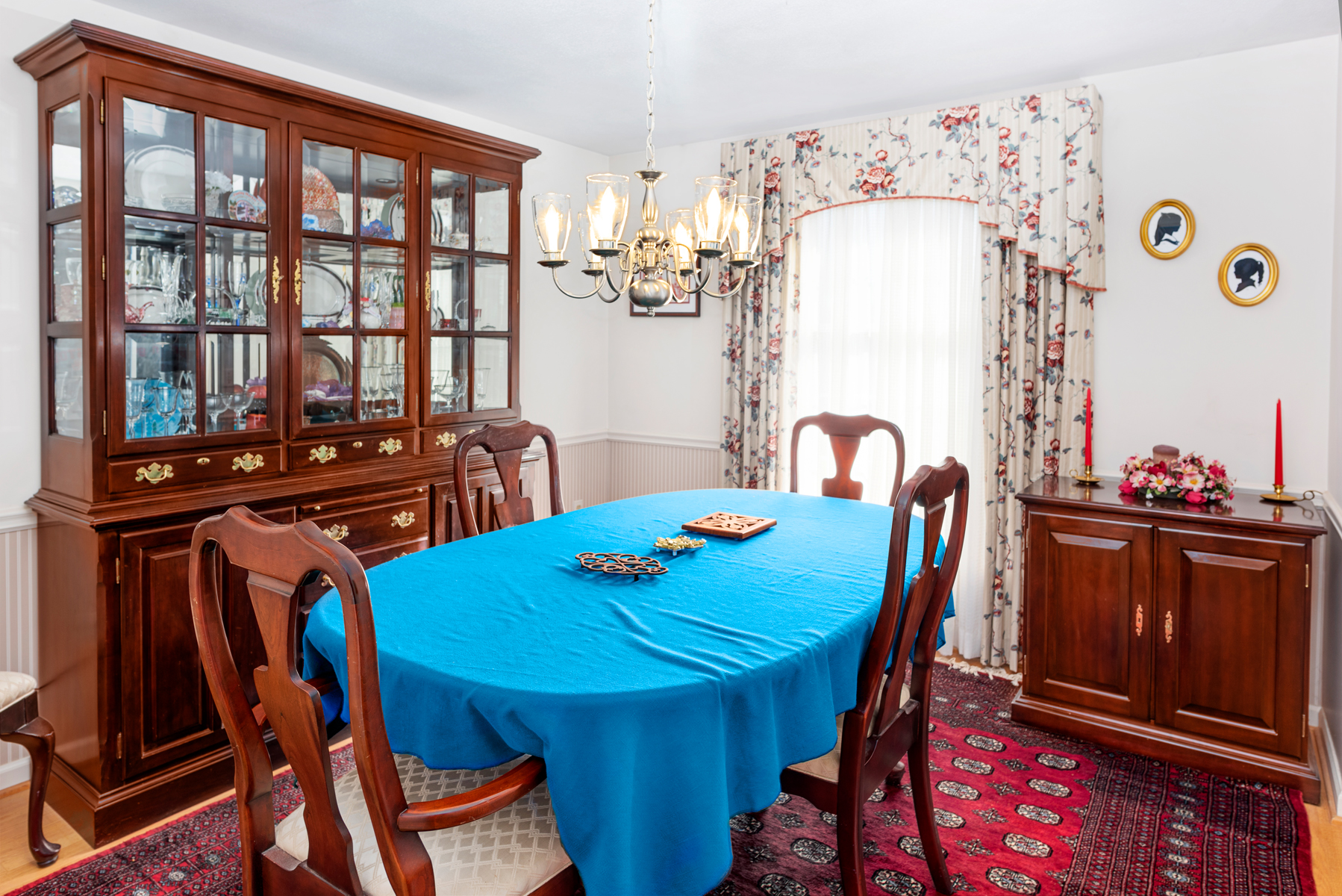 dining room blue table