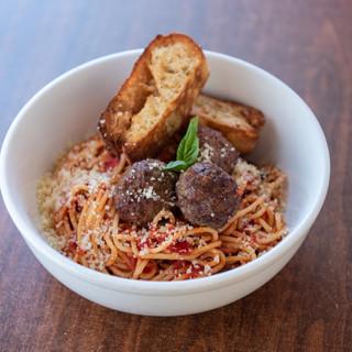 ItalianPizzaKitchen_SpaghettiwithMeatbal